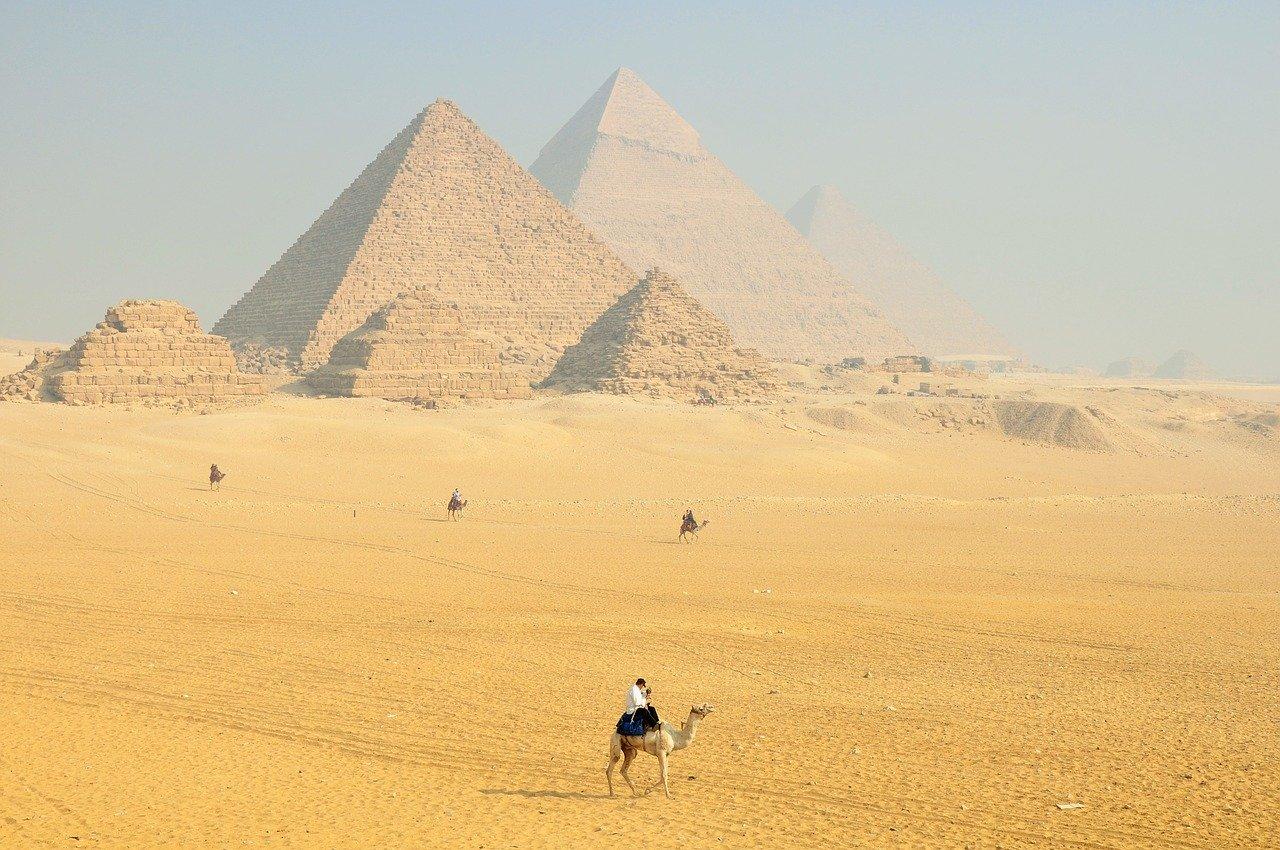 Visitez les différentes pyramides